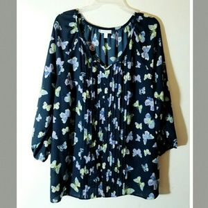 Gorgeous navy blue top with butterflies